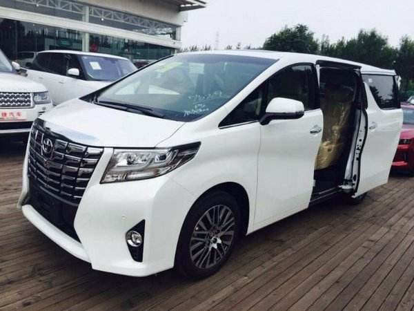 广州上下班租车的丰田阿尔法
