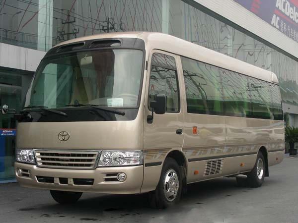 广州上下班租车的15-20座 丰田考斯特