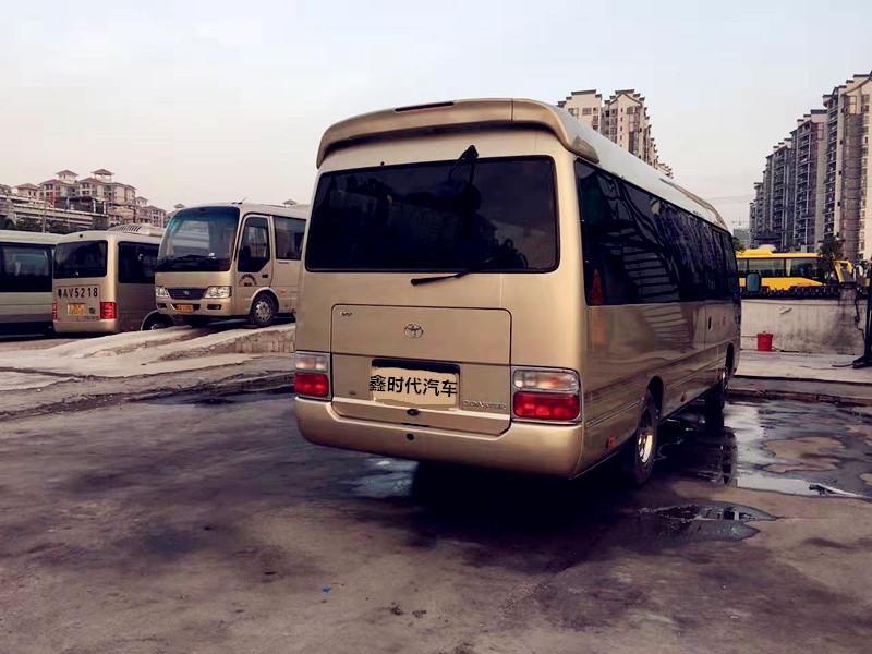 广州上下班租车的豪华丰田考斯特